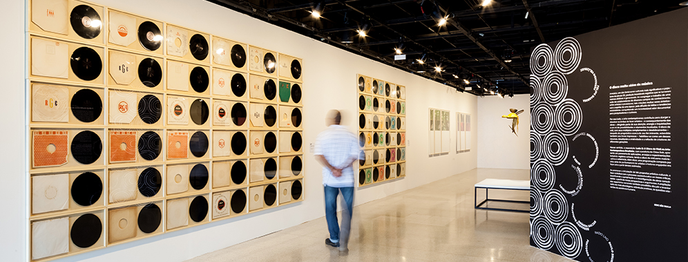 B-Side: the vinyl disc in contemporary Brazilian art